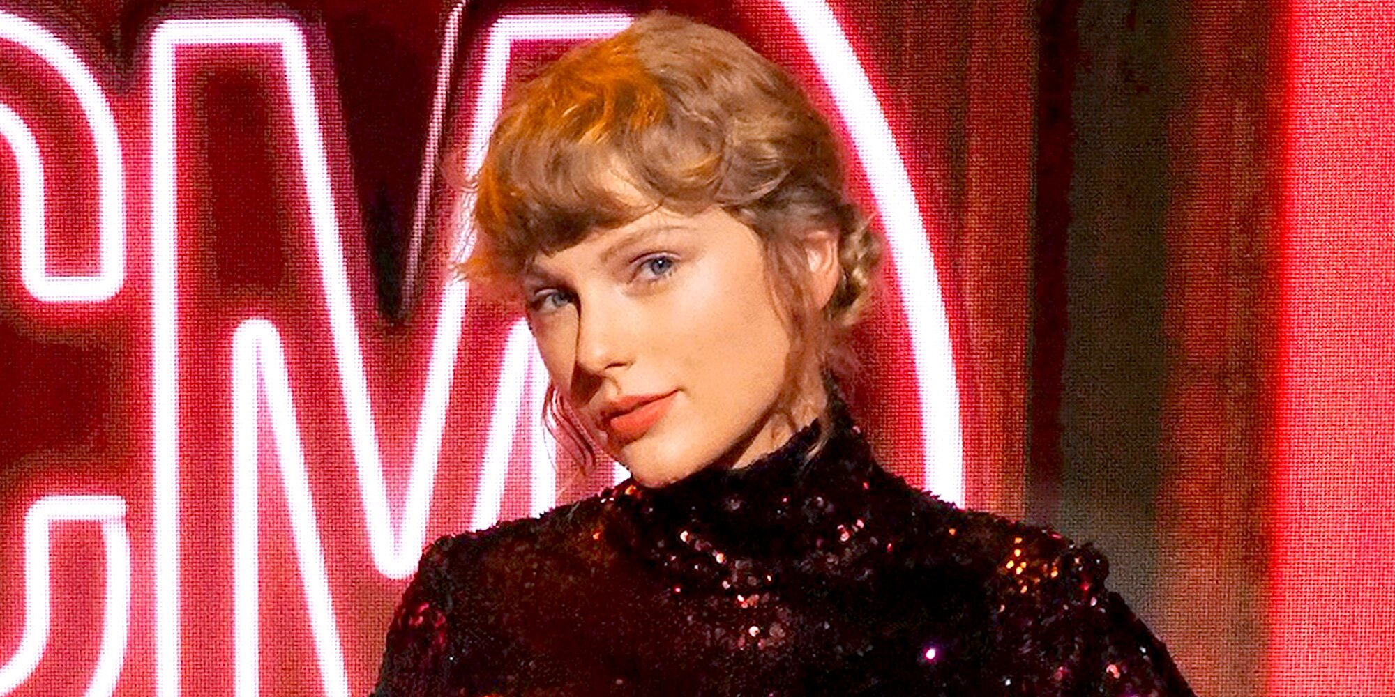 Taylor Swift to rerelease Red with all 30 of its original songs.jpg
