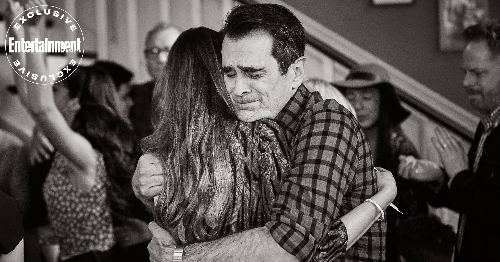 Modern Family finale: Cast says goodbye in emotional behind-the-scenes photos