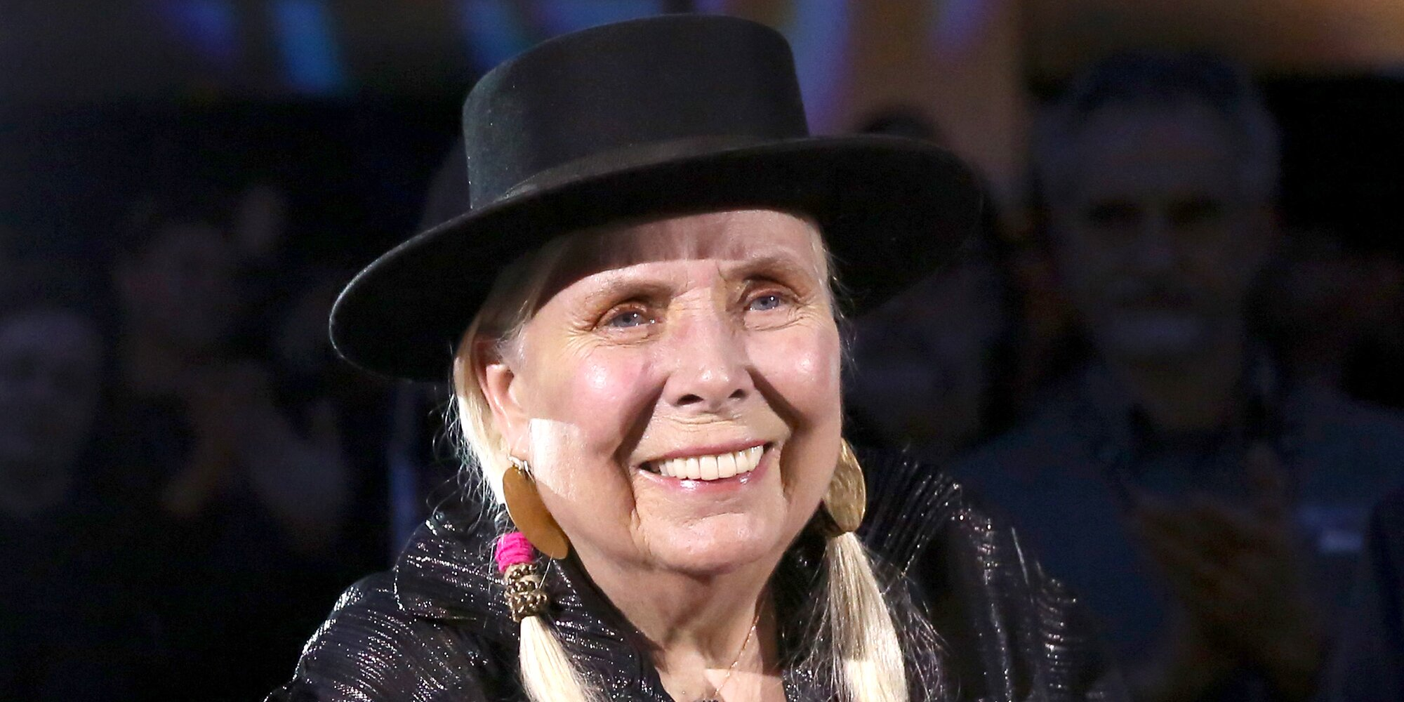 Joni Mitchell says making more personal music 'scared' male singer-songwriters.jpg