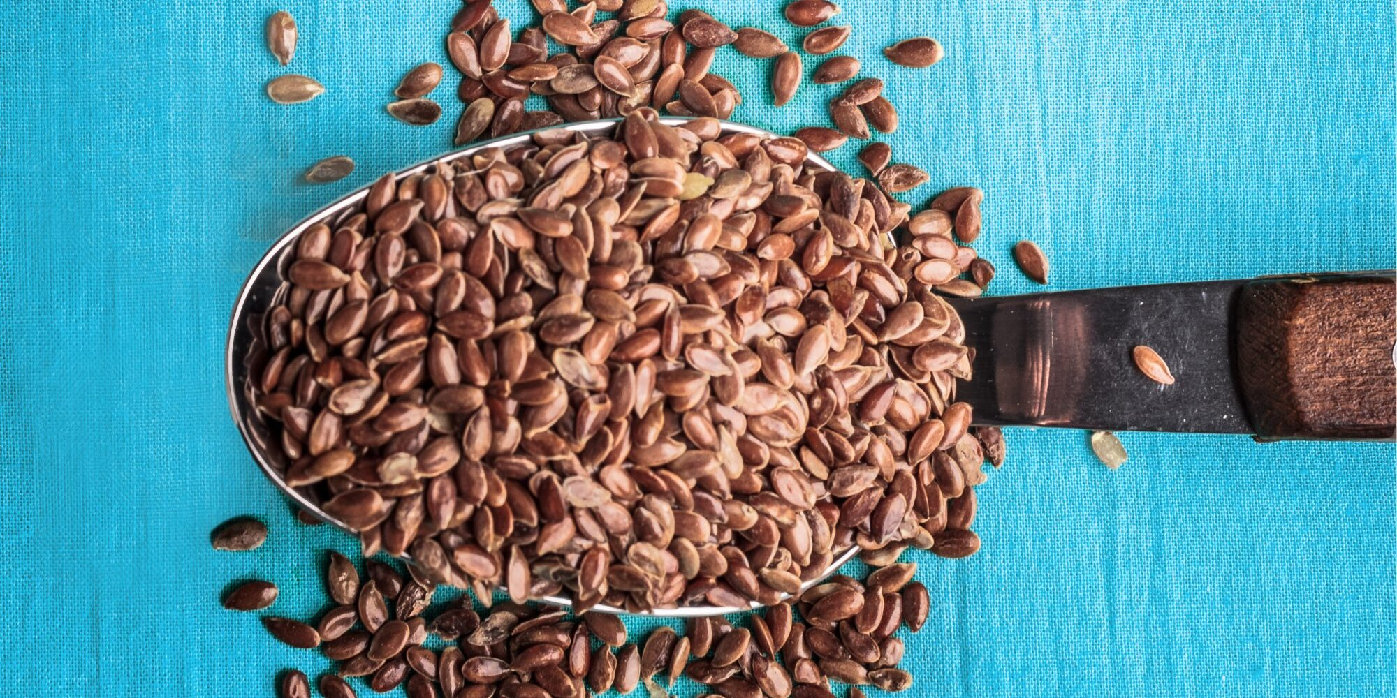5 Healthy Benefits of Flaxseeds—the Small-but-Mighty Superfood Worth Sprinkling, Blending, and Baking Into Everything