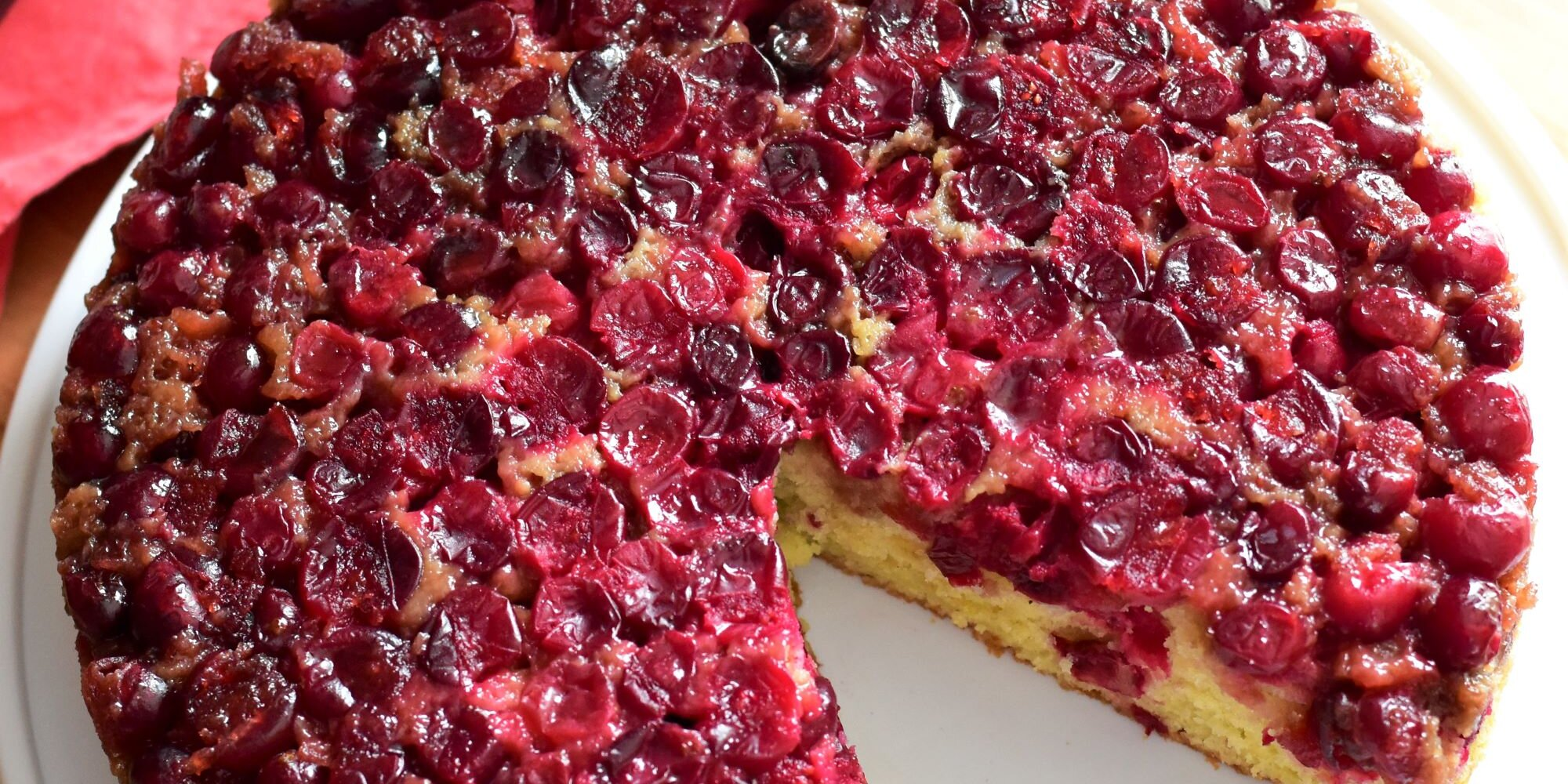 15 Cranberry Cakes Bursting With Holiday Flavor