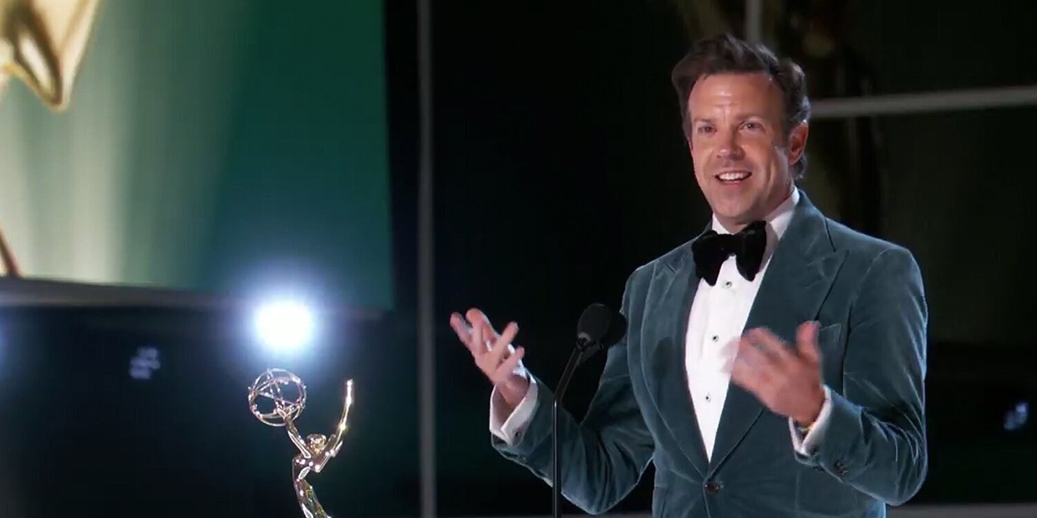 Jason Sudeikis Ribs SNL Creator Lorne Michaels for Taking 'a Dump' During His Emmys Acceptance Speech.jpg