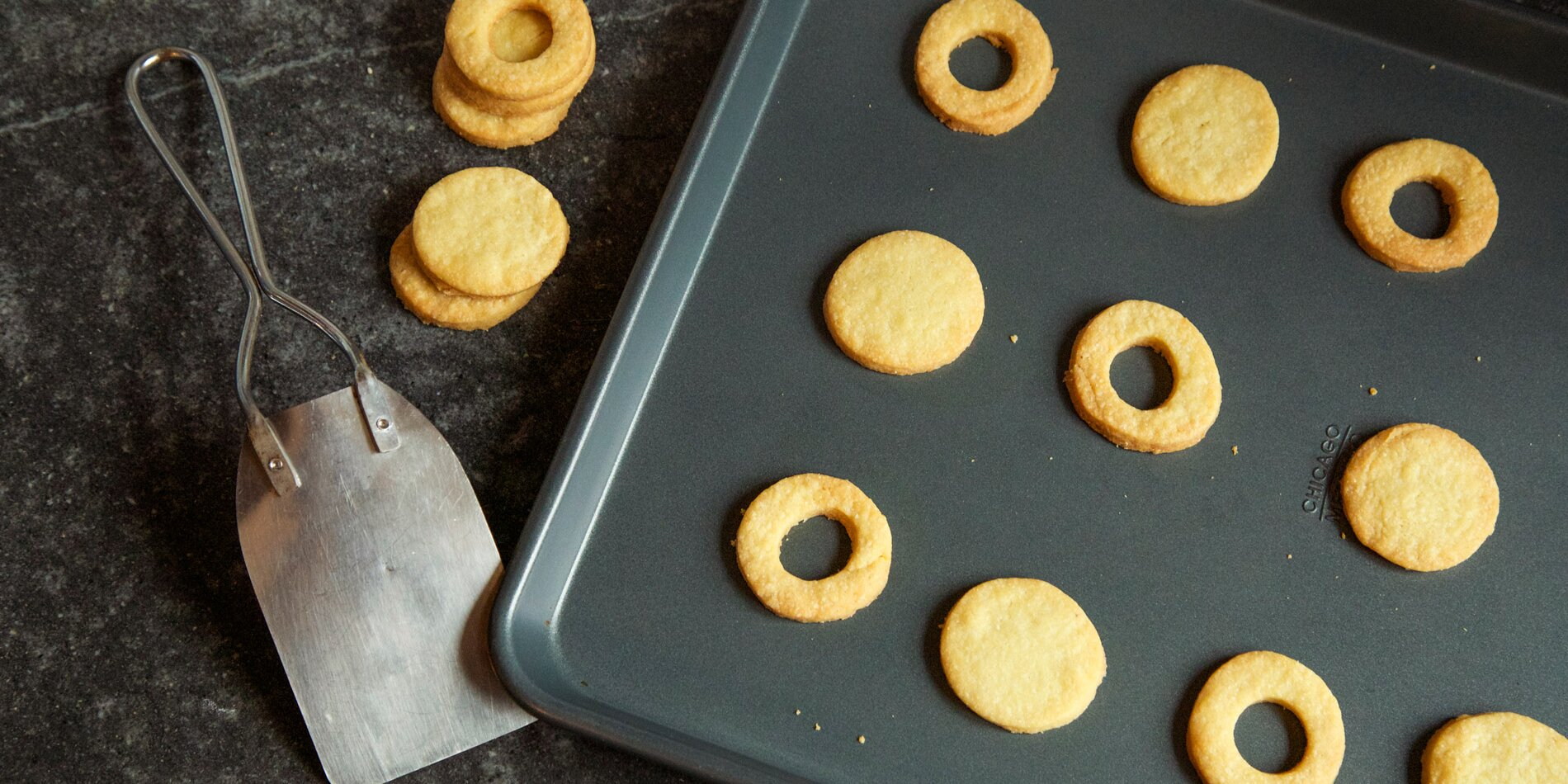The Best Cookie Sheets