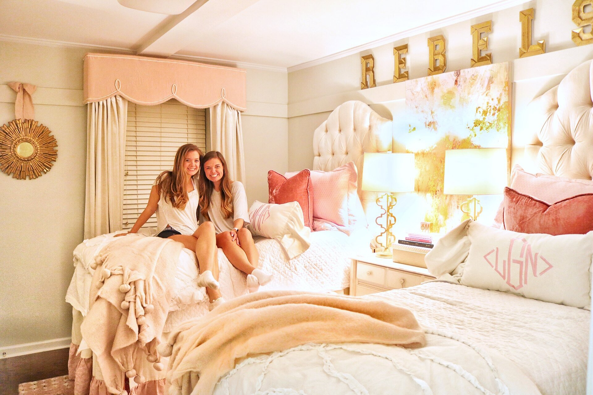 Check Out This Year Iacute S Most Unbelievable Dorm Room Makeover Southern Living