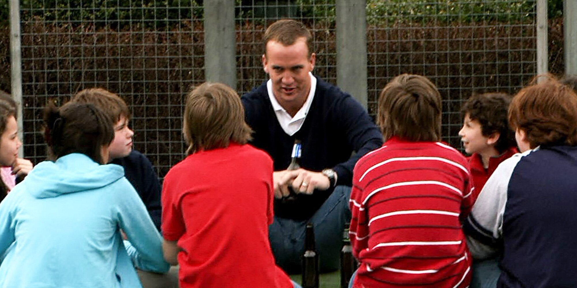 Peyton Manning blames 'SNL' for other parents not wanting him to coach their kids