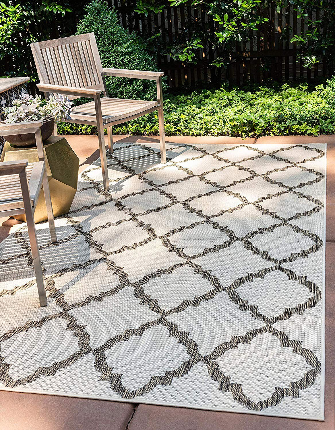 9 Best Outdoor Rugs According To