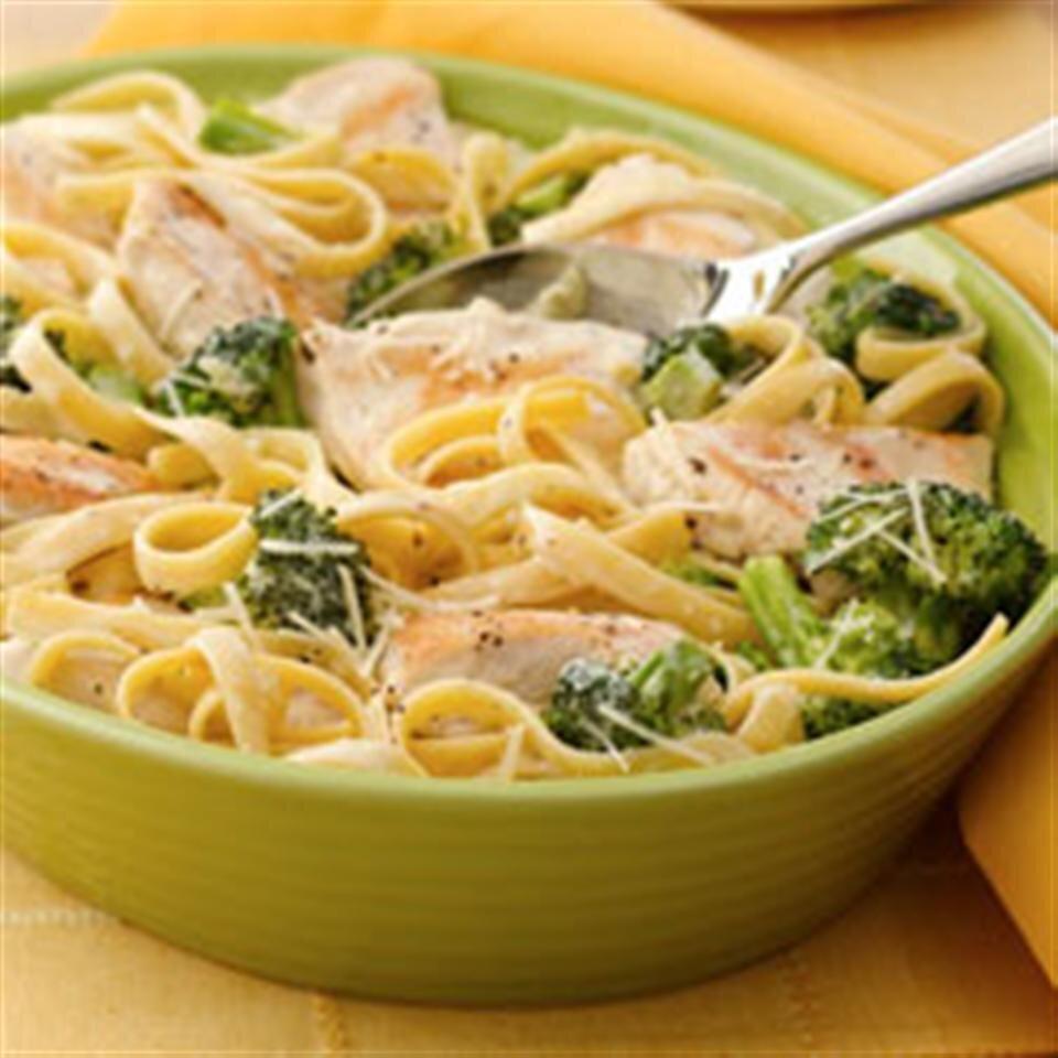 chicken and broccoli fettuccini skillet dinner recipe