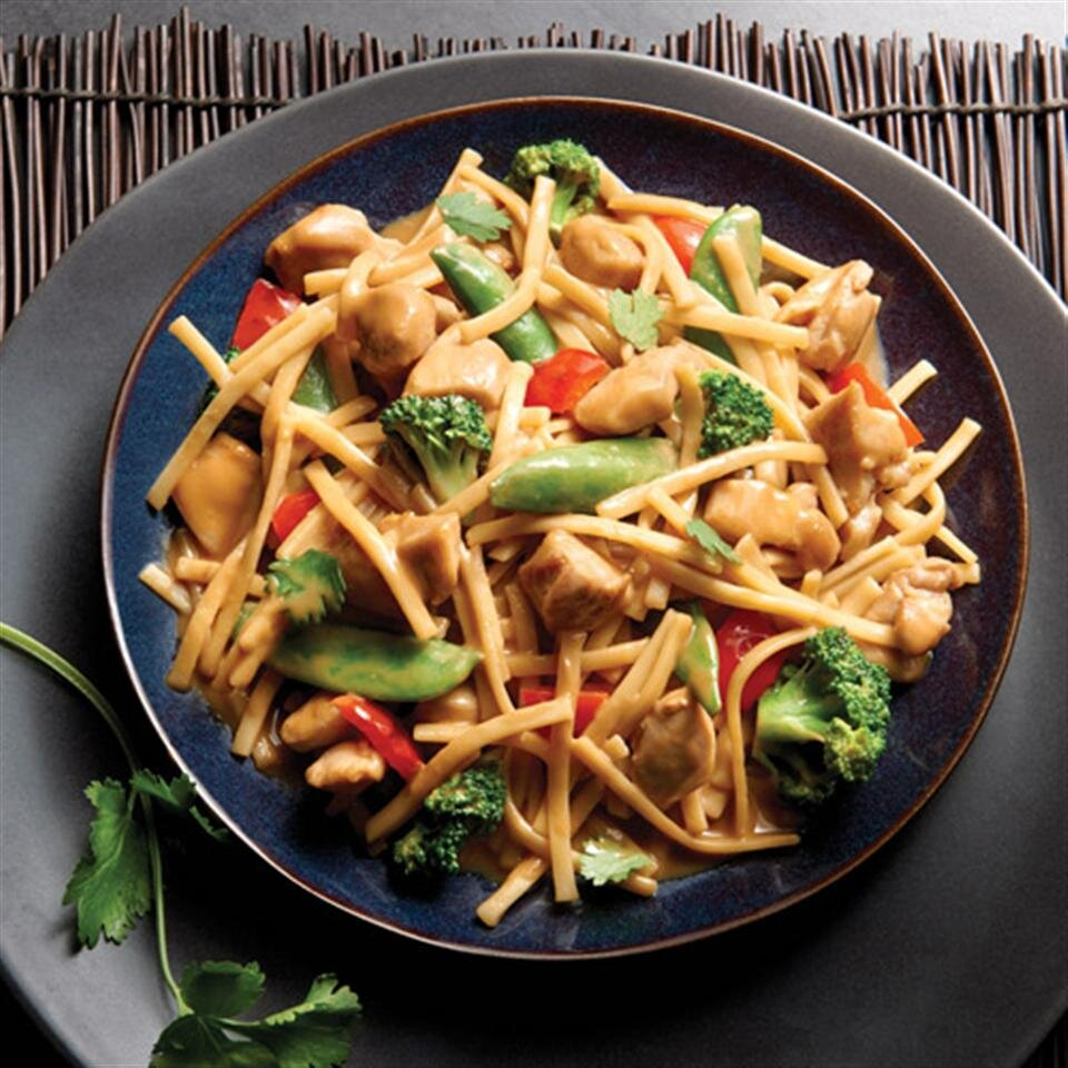 no yolks asian vegetables and chicken in a spicy peanut