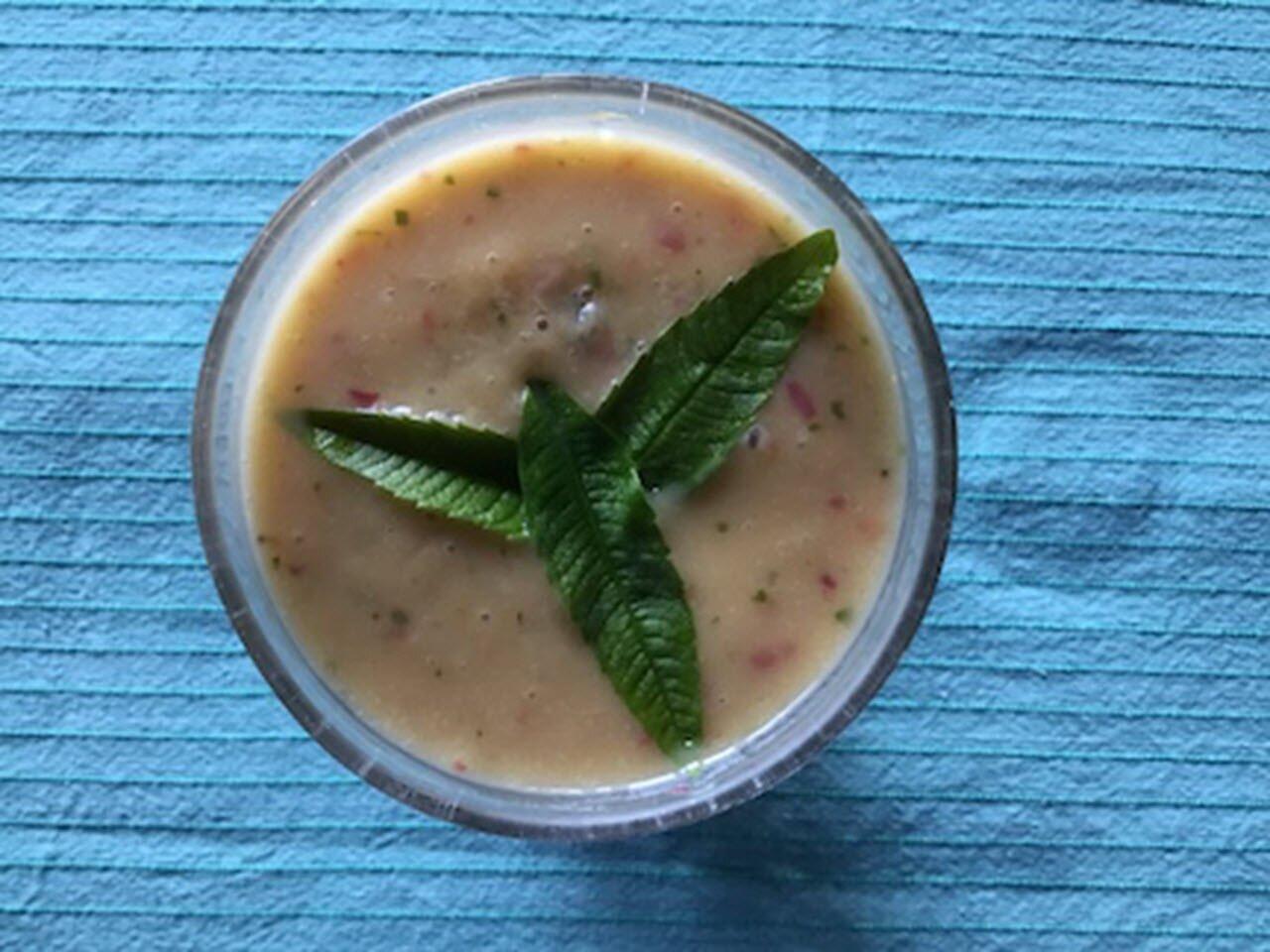 vegan peach banana coconut smoothie recipe