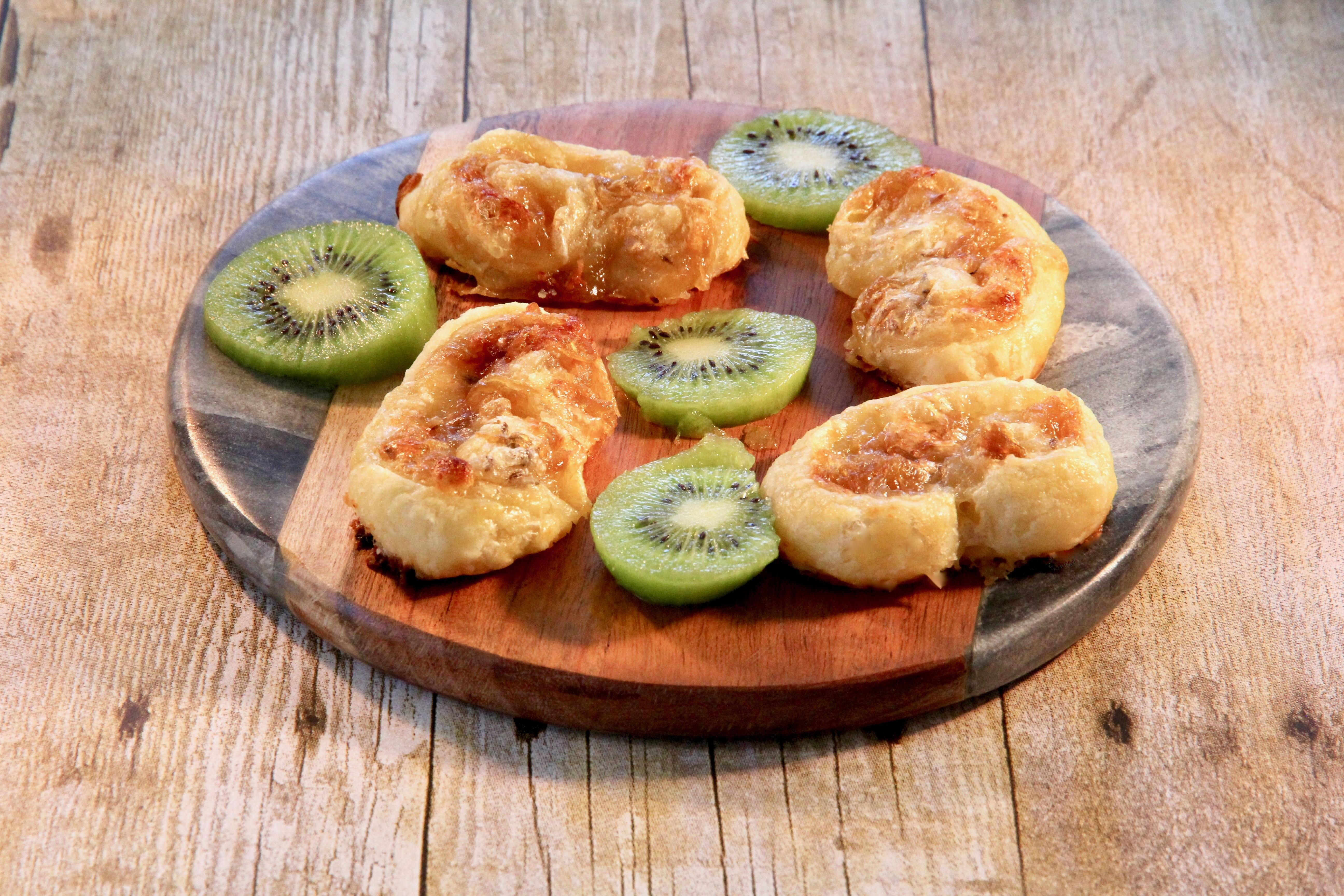 brie and caramelized onion pinwheels recipe