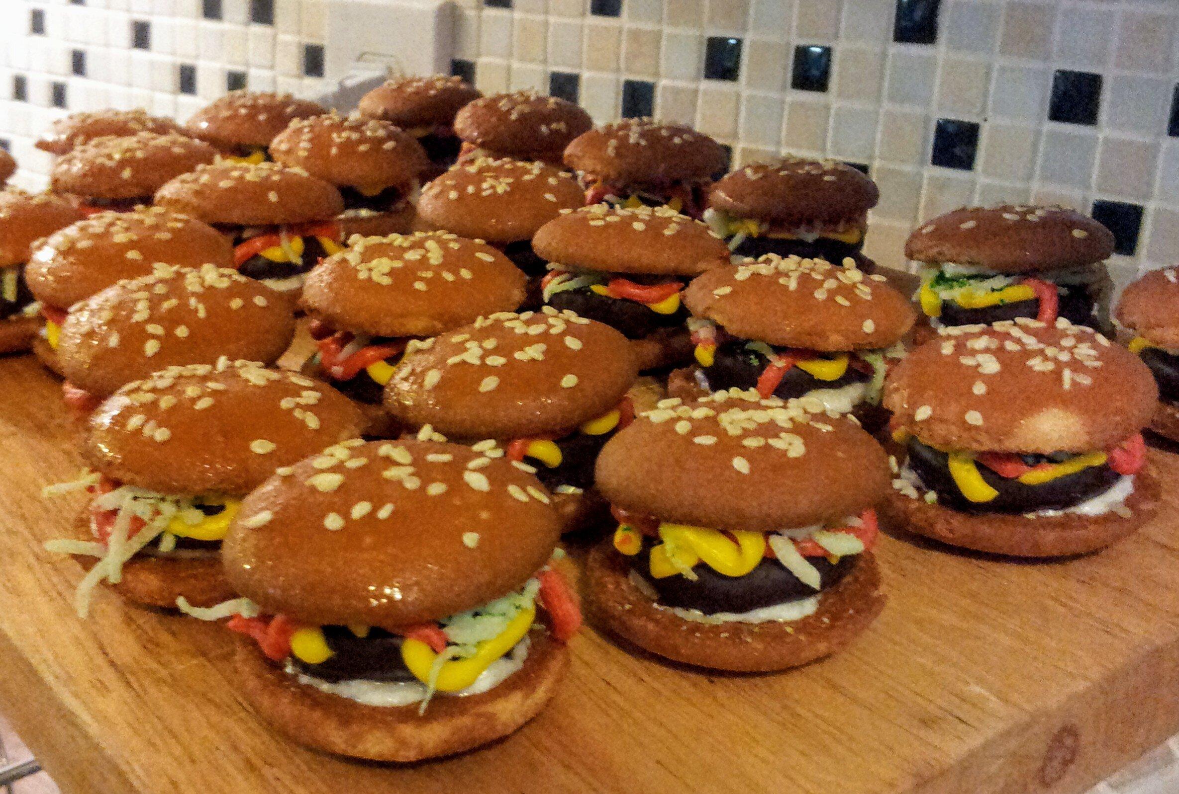 no bake deluxe hamburger cookies recipe