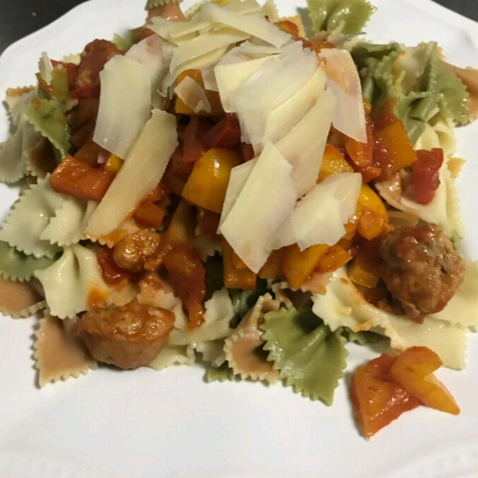contadina bow ties in sausage and pepper sauce