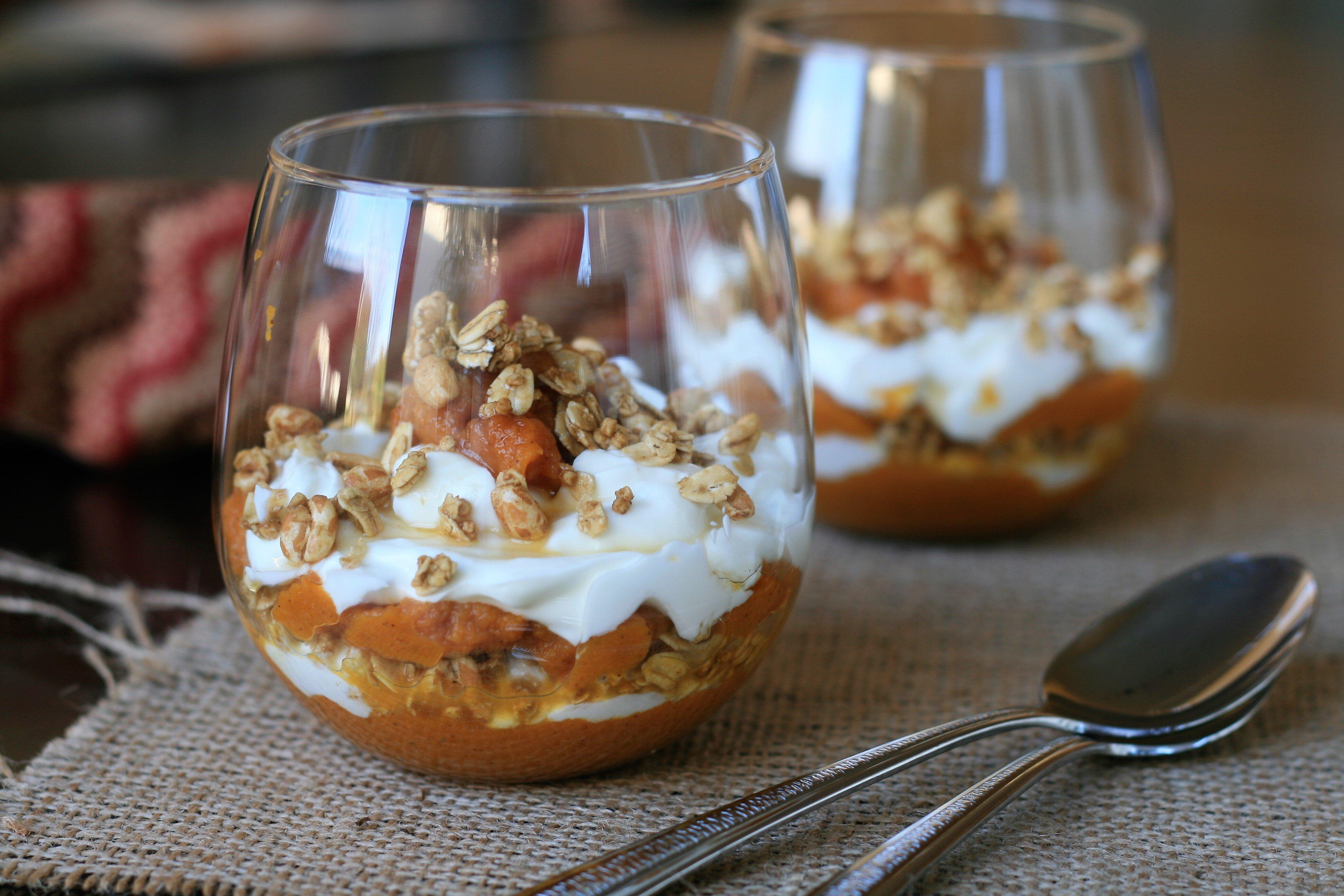 pumpkin crumble yogurt parfait recipe