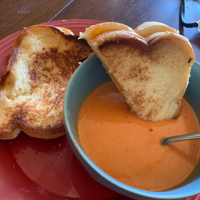 rich and creamy tomato basil soup recipe