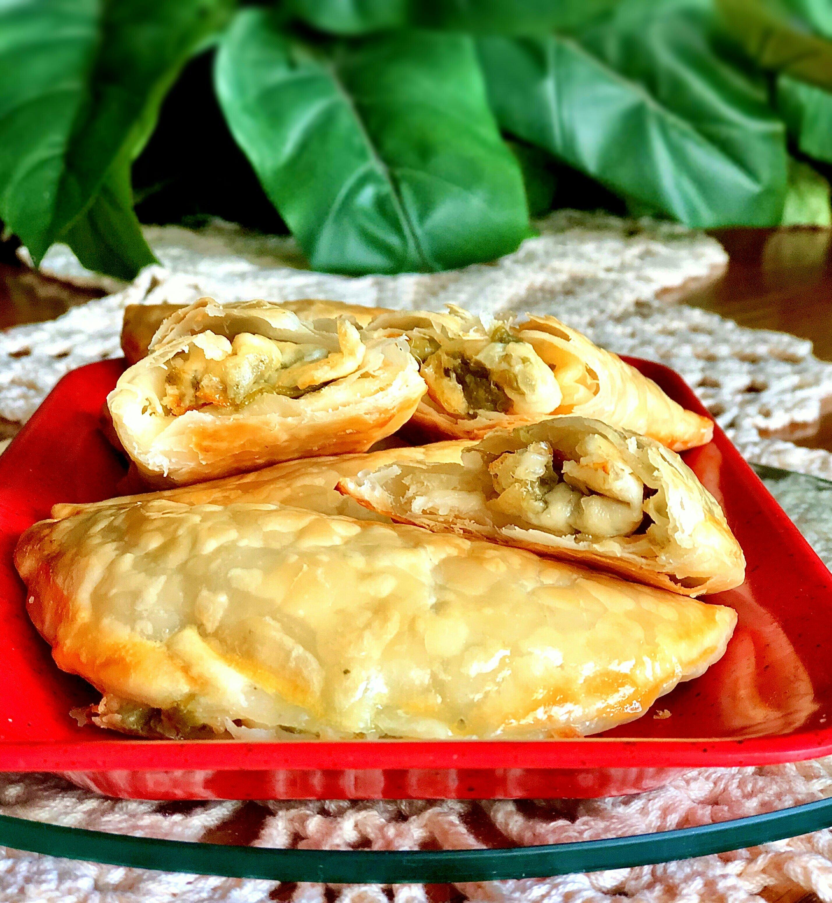 empanadas de queso con rajas poblano chile and cheese