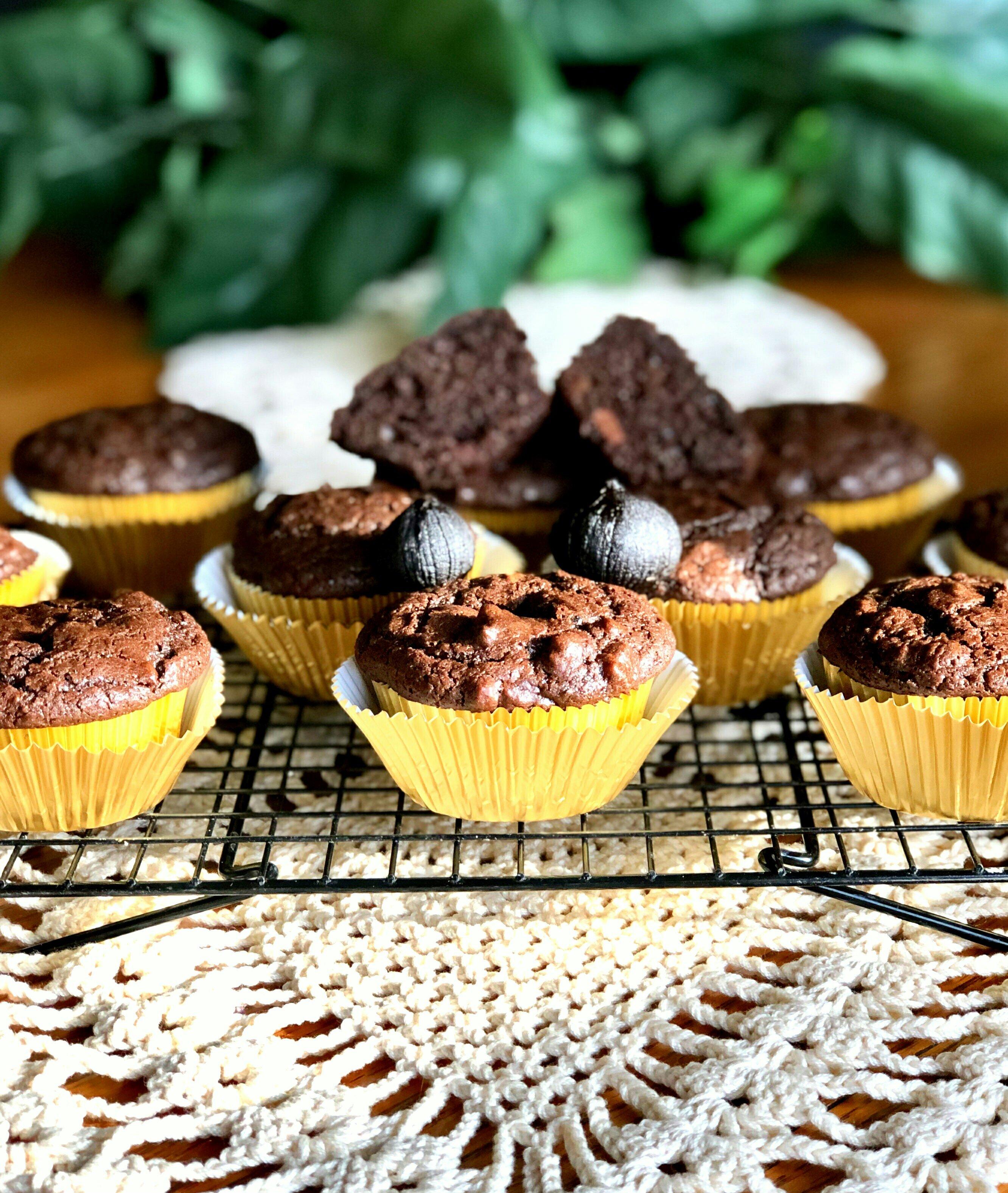 black garlic chocolate muffins recipe