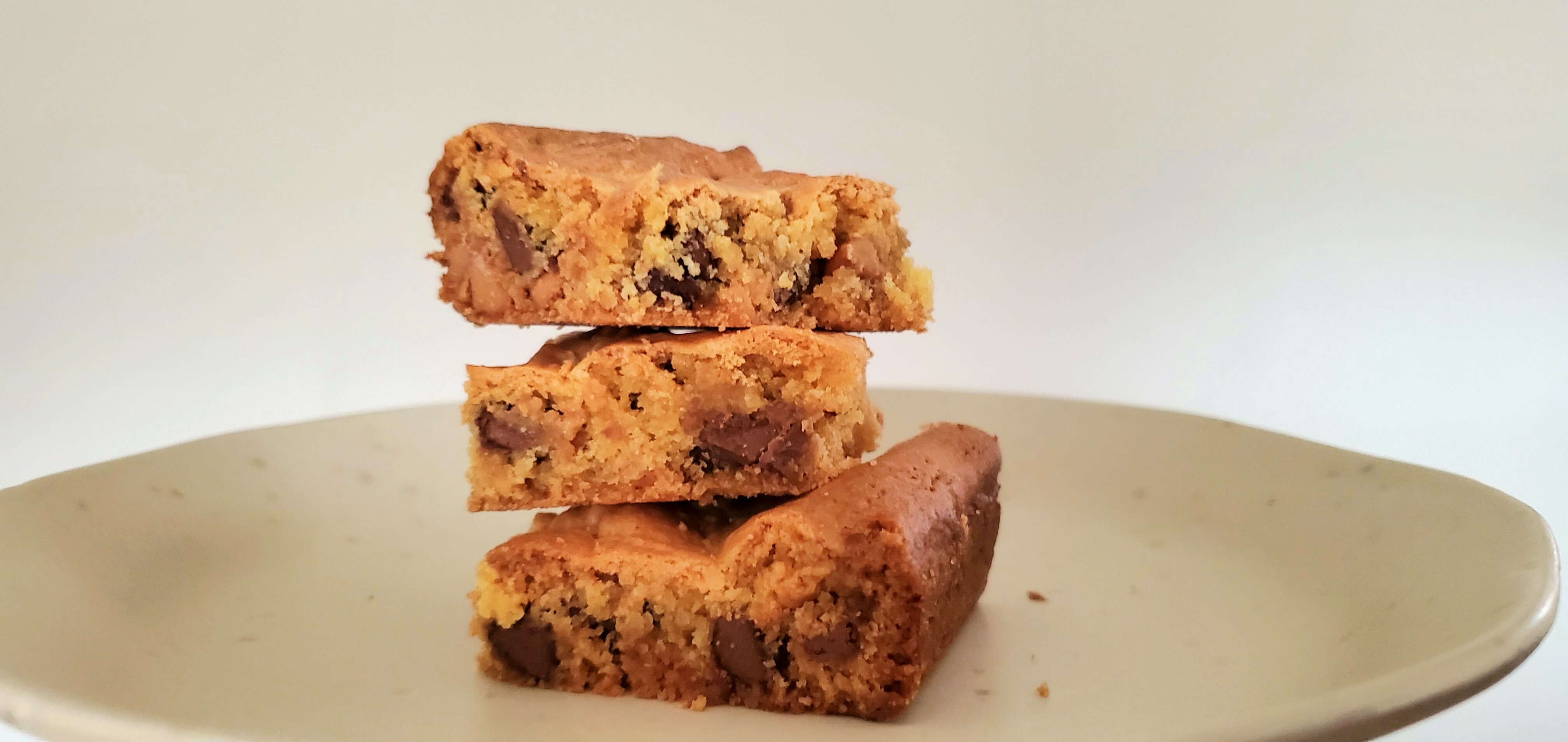back to abbeys easy chocolate chip cake mix bar cookies recipe