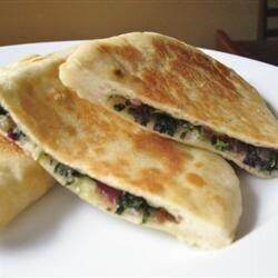 turkish stuffed flatbread gozleme