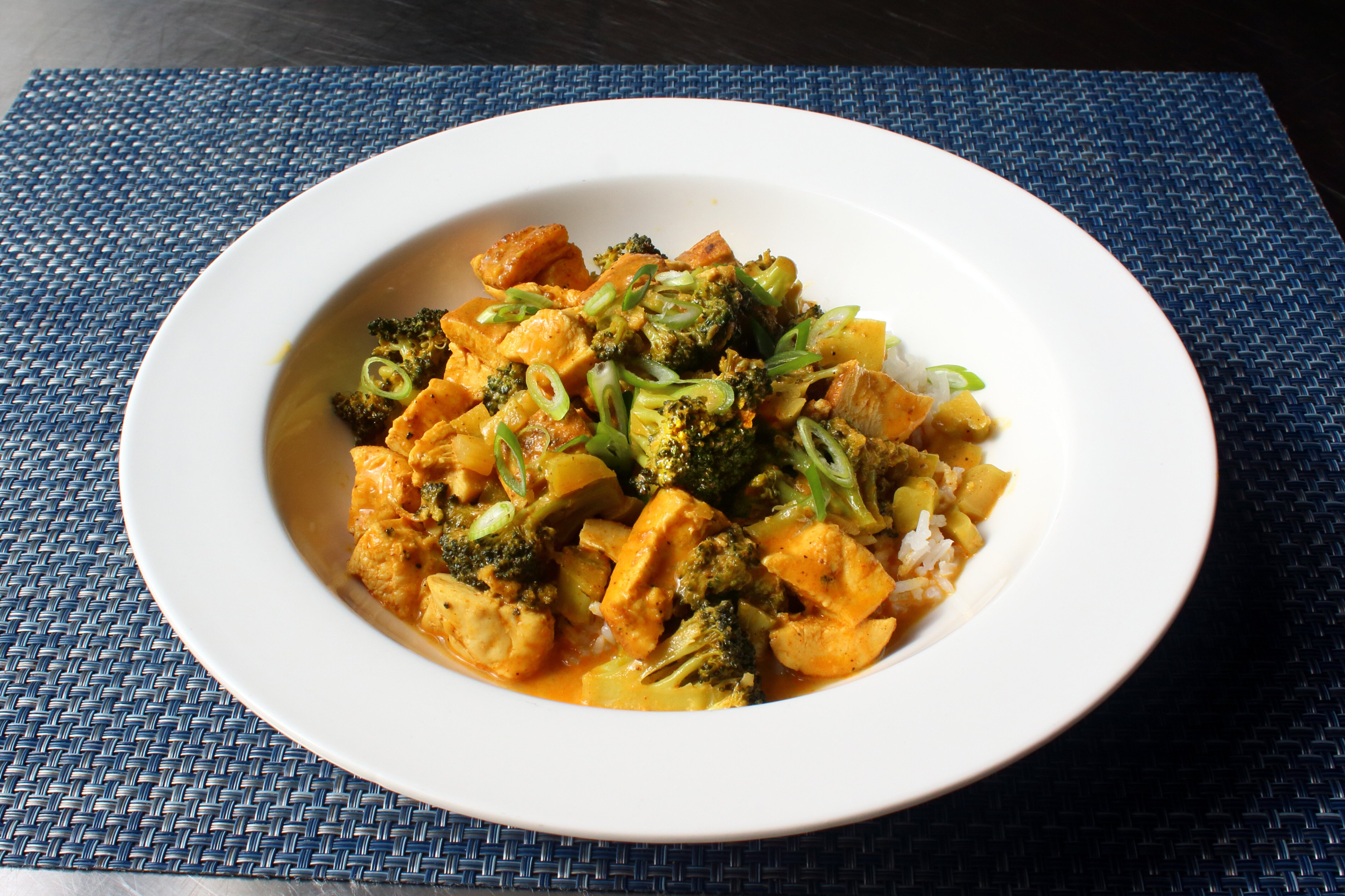 chicken and broccoli curry