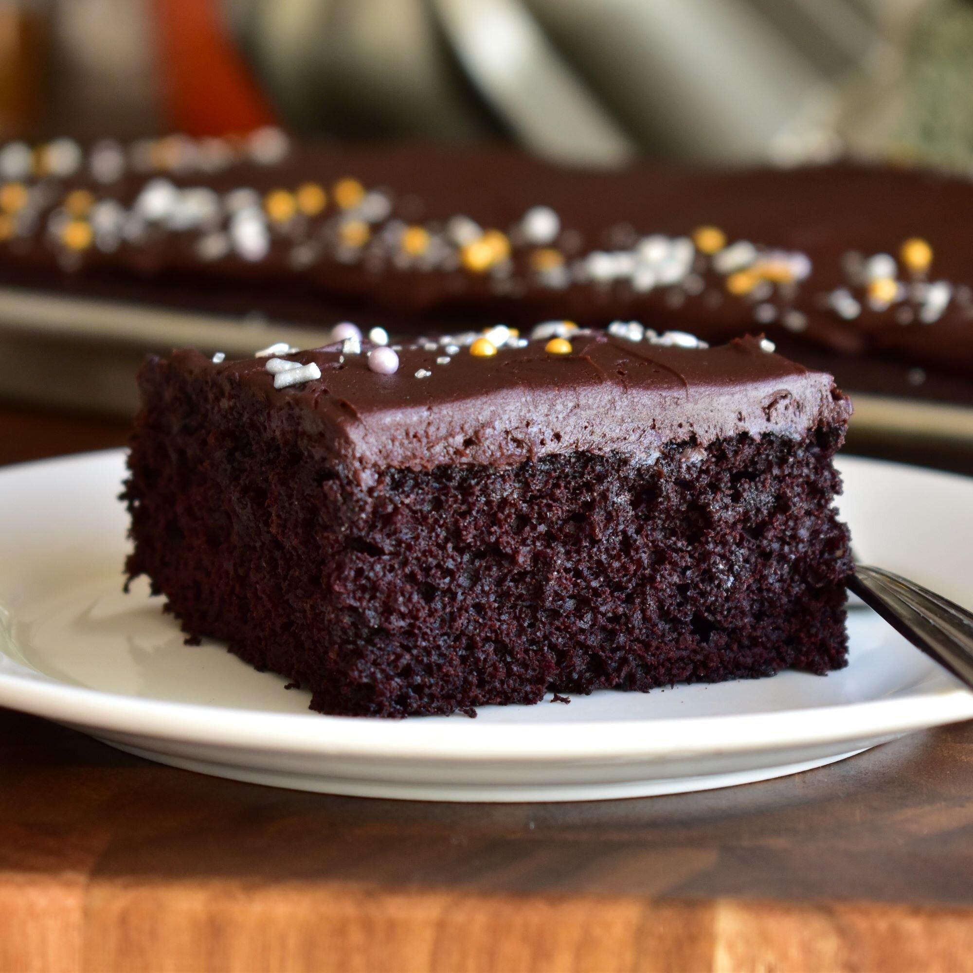 dark chocolate sheet cake with dark chocolate frosting