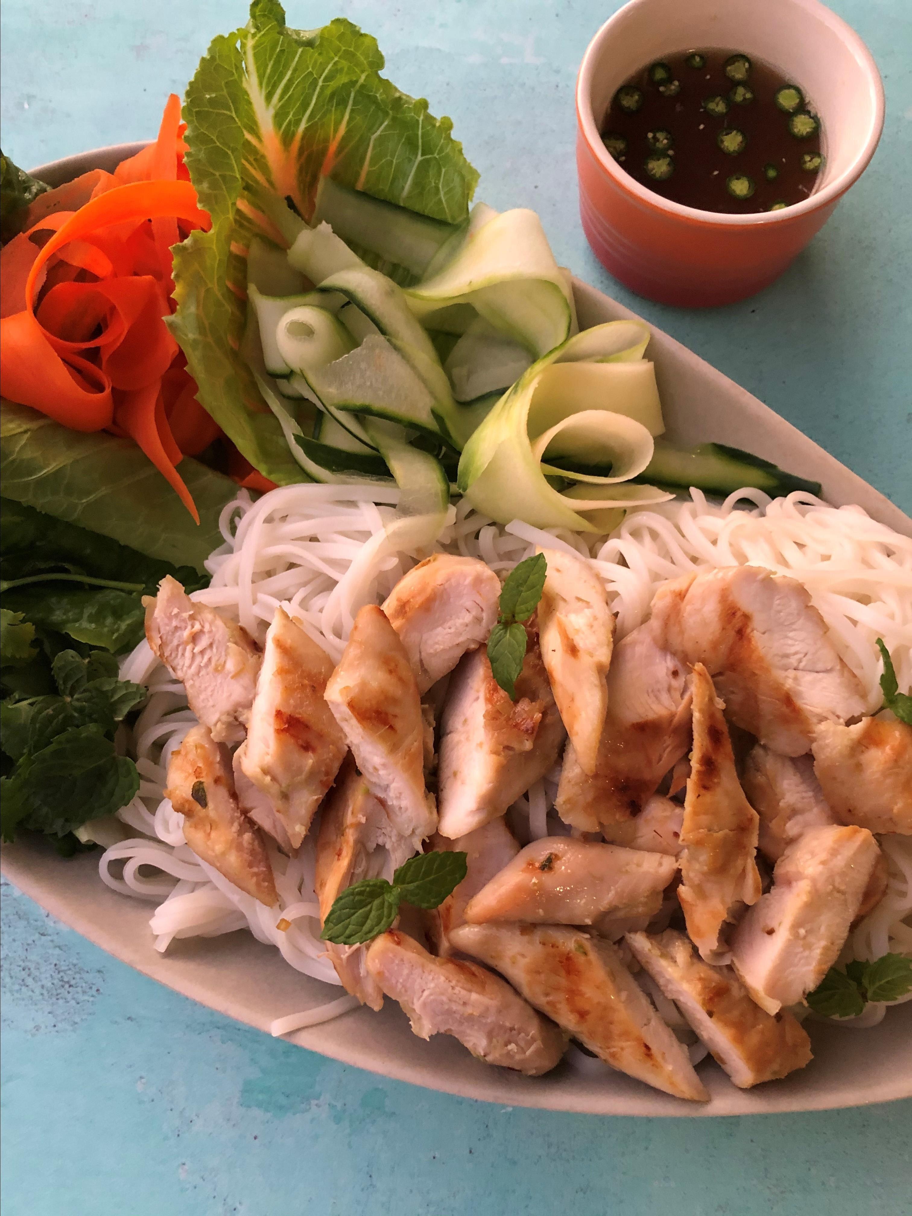 vietnamese noodle salad with lemongrass chicken recipe