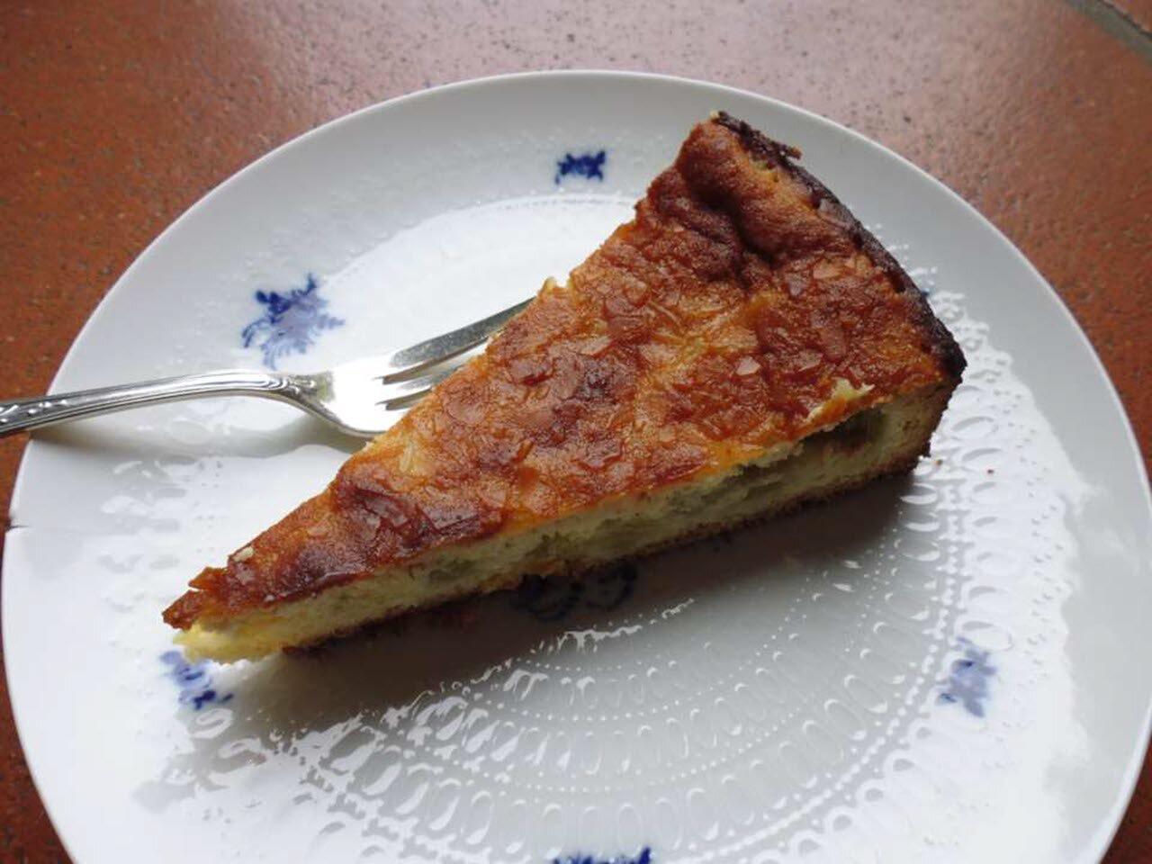 rhubarb almond custard cake
