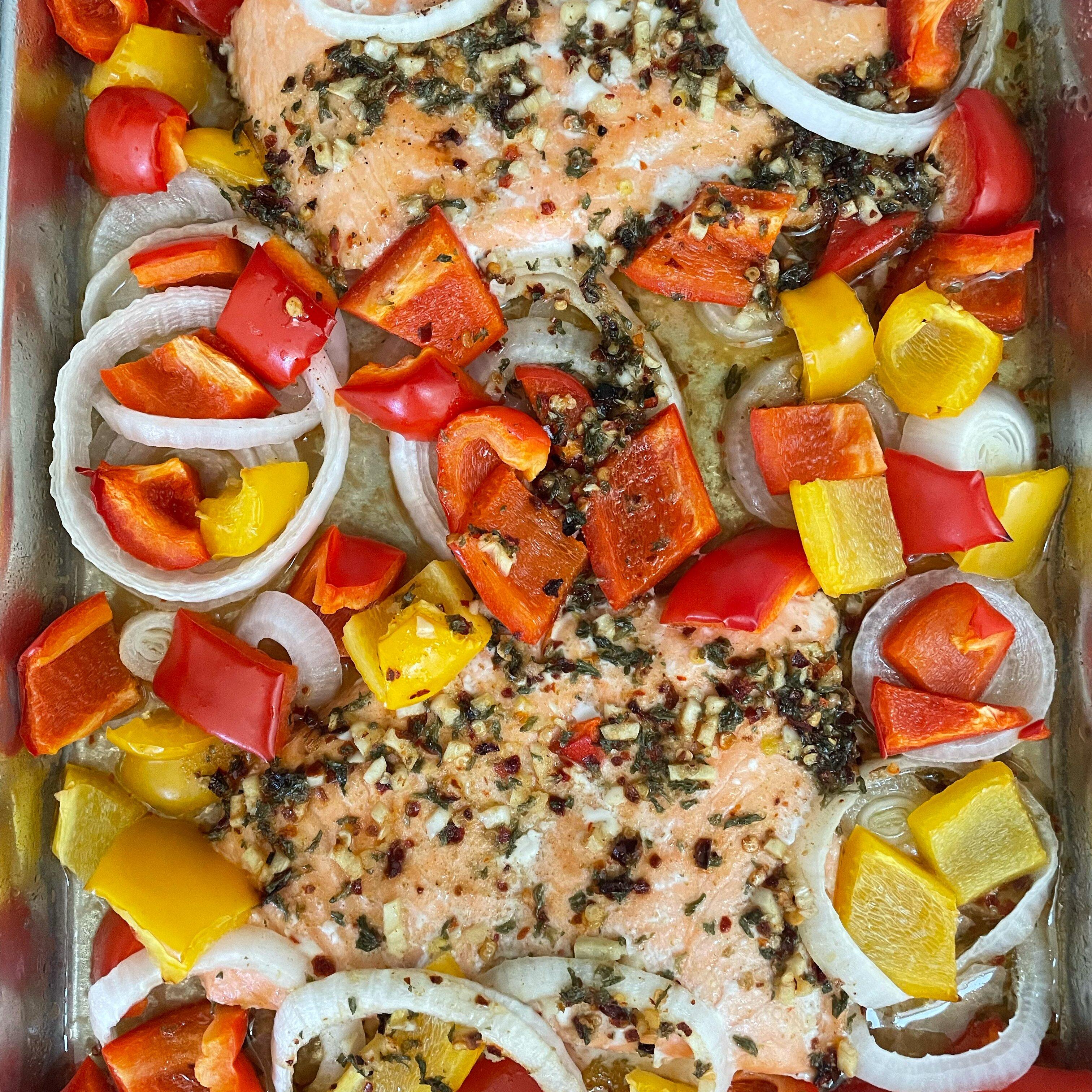 sheet pan salmon and bell pepper dinner recipe