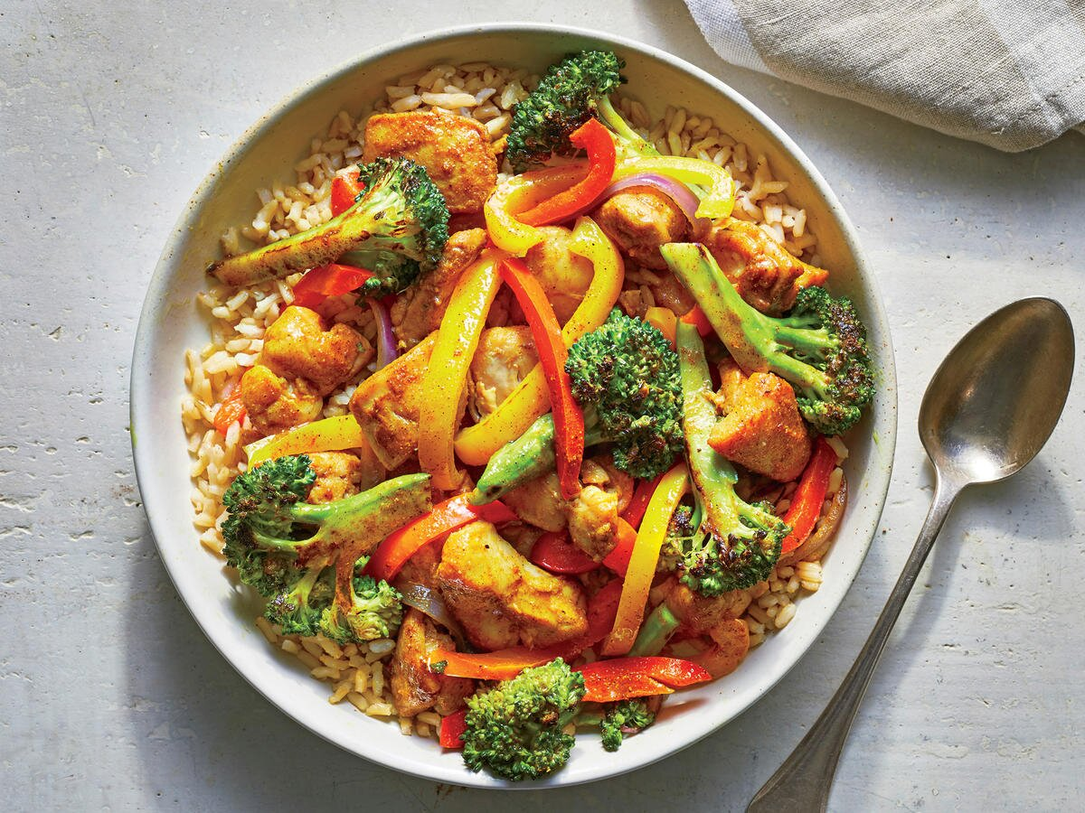 Make This Healthy Chicken Curry Stir-fry In 25 Minutes