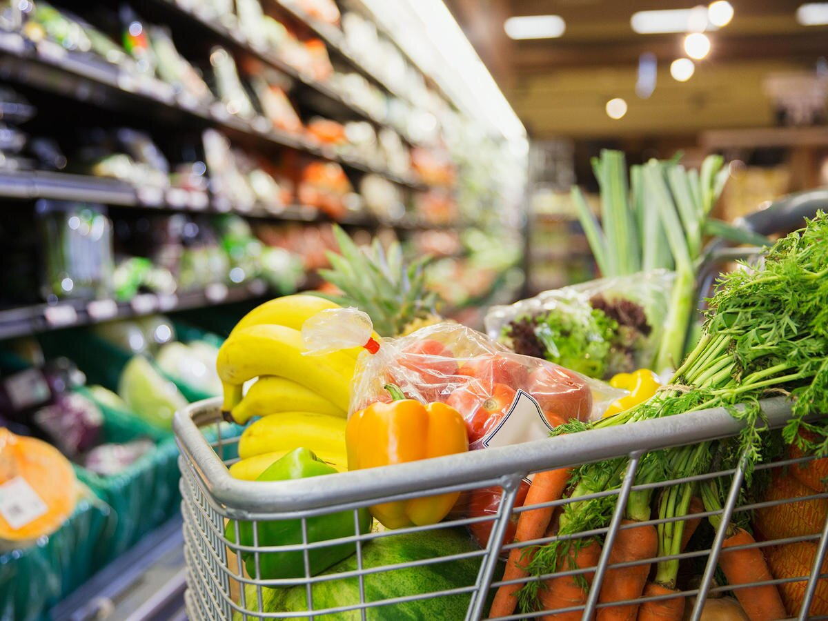 How to Avoid Temptation When Navigating the Grocery Store | Cooking Light