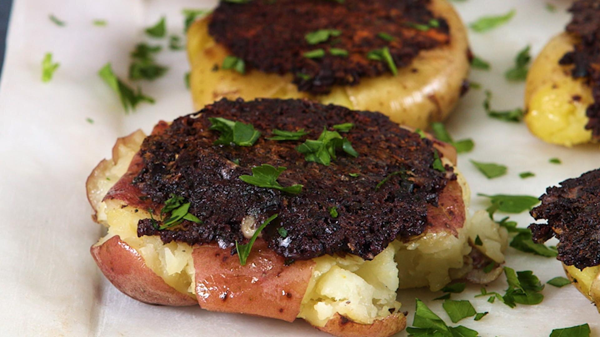 How to Make Olive Pesto Smashed Potatoes