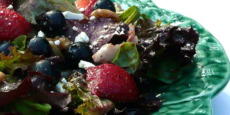 spring salad with blueberry balsamic dressing recipe