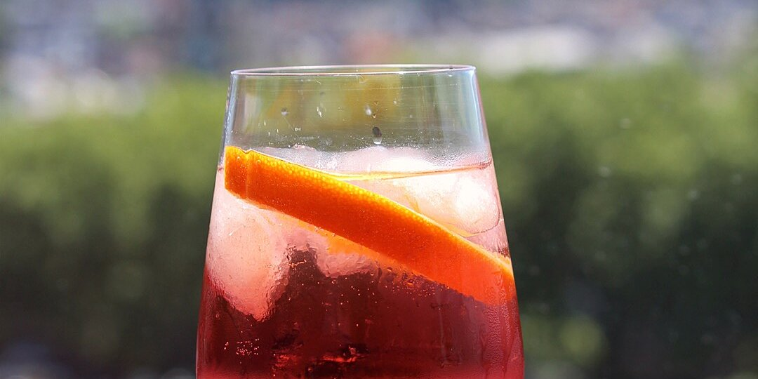 25 popular cocktail recipes you should know how to make