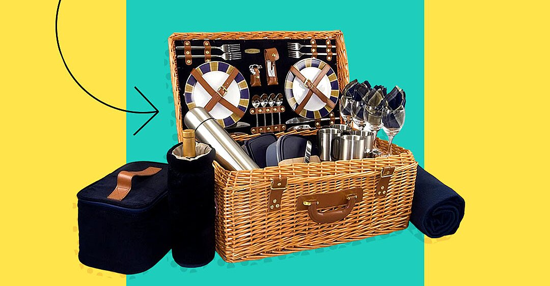 The 10 Best Picnic Baskets, According to Thousands of Reviews