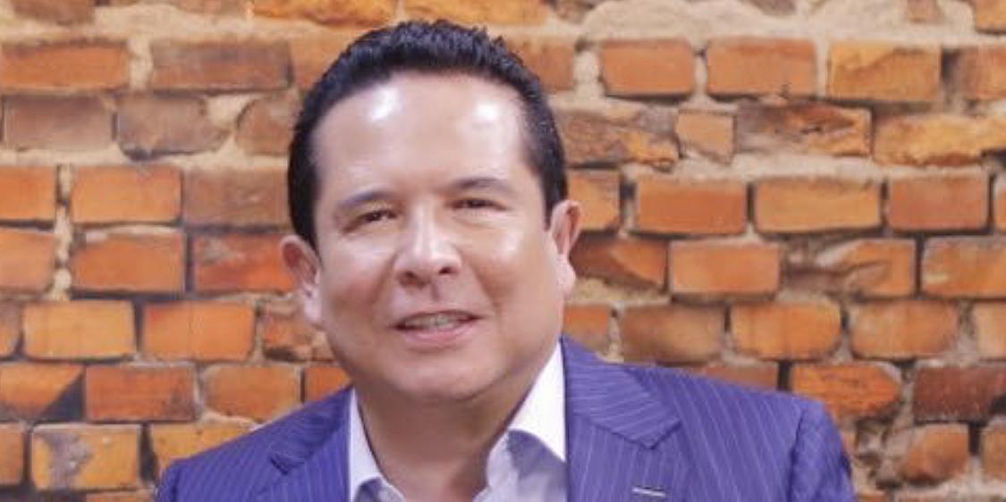 Gustavo Adolfo Infante en hospital tras horrible broma del Rey Grupero