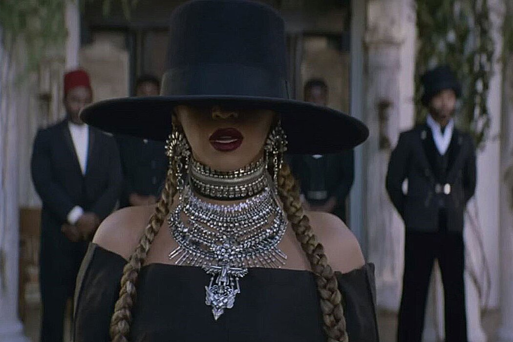 Beyonce S Formation Hat Raises Thousands For Charity Instyle