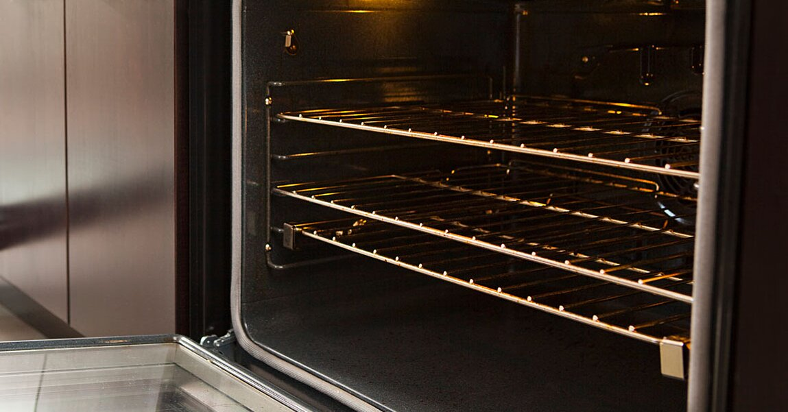 The Right Way to Clean Your Oven