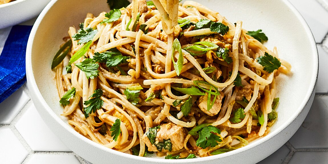 Alex Guarnaschelli's Chicken & Ginger Pad Thai