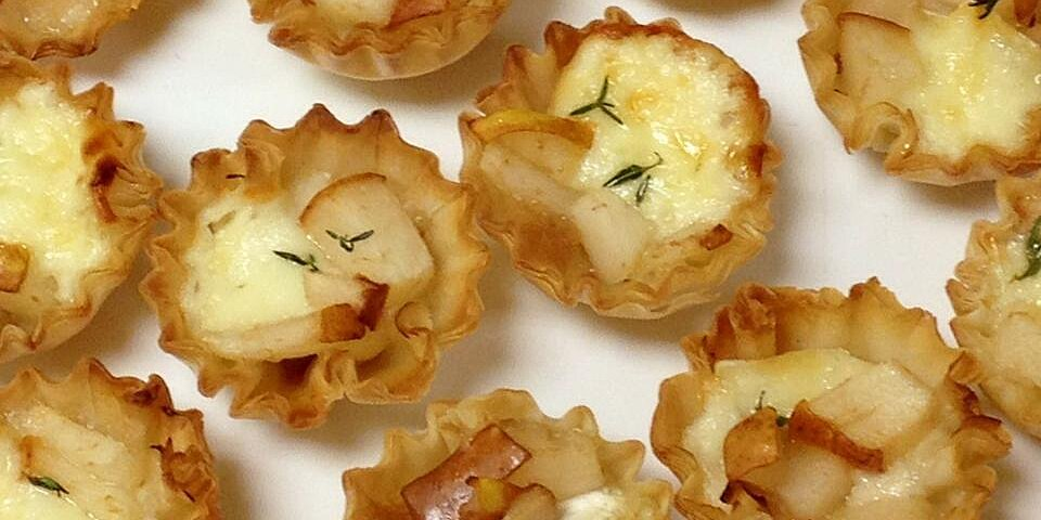warm brie and pear tartlets recipe