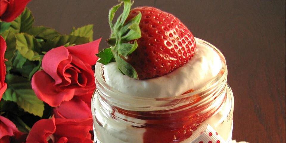 strawberry cheesecake in a jar recipe