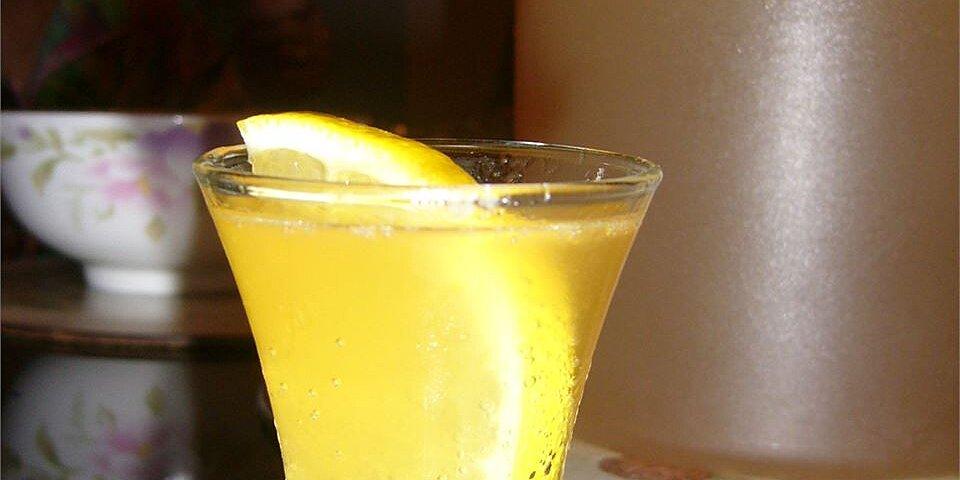 pineapple lemonade spritzers recipe