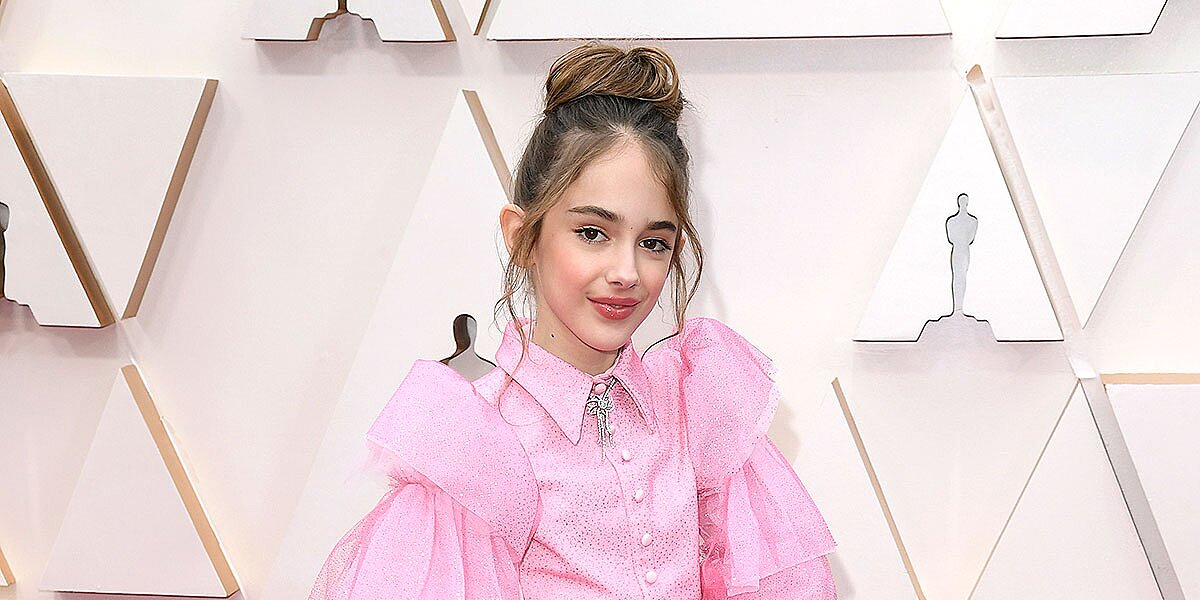 Once Upon a Time in Hollywood's Julia Butters, 10, Brings Turkey Sandwich to Oscars