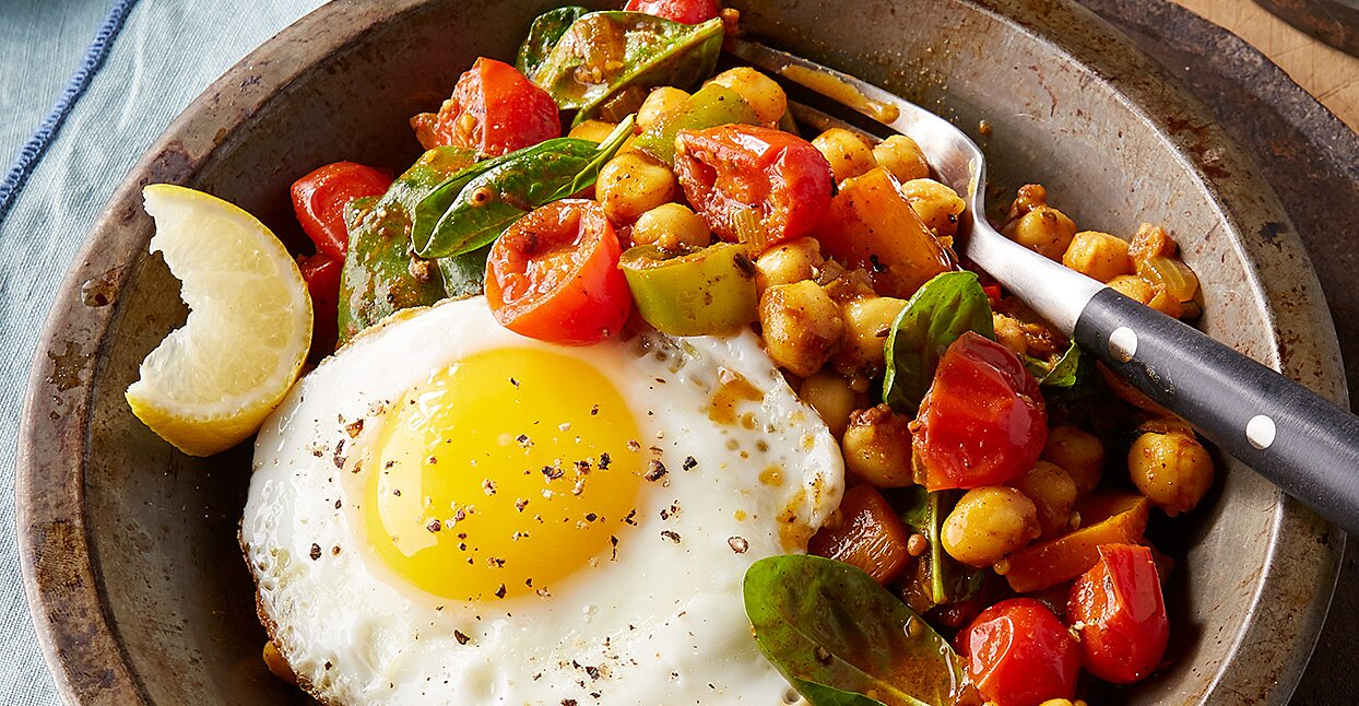 Chickpeas with Peppers & Eggs
