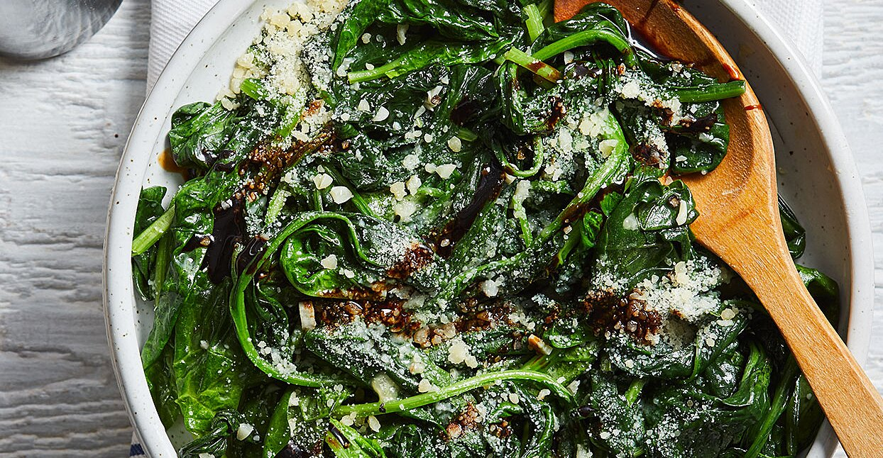How to Cook Spinach So It Doesn't Leave a Weird Feeling on Your Teeth
