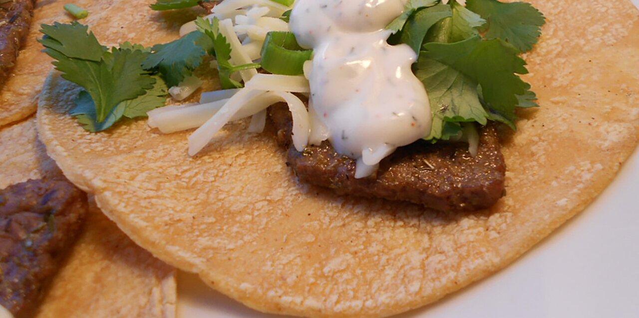 steak tacos with spicy yogurt sauce recipe