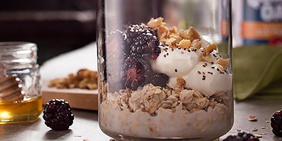 blackberry honey walnut overnight oats recipe