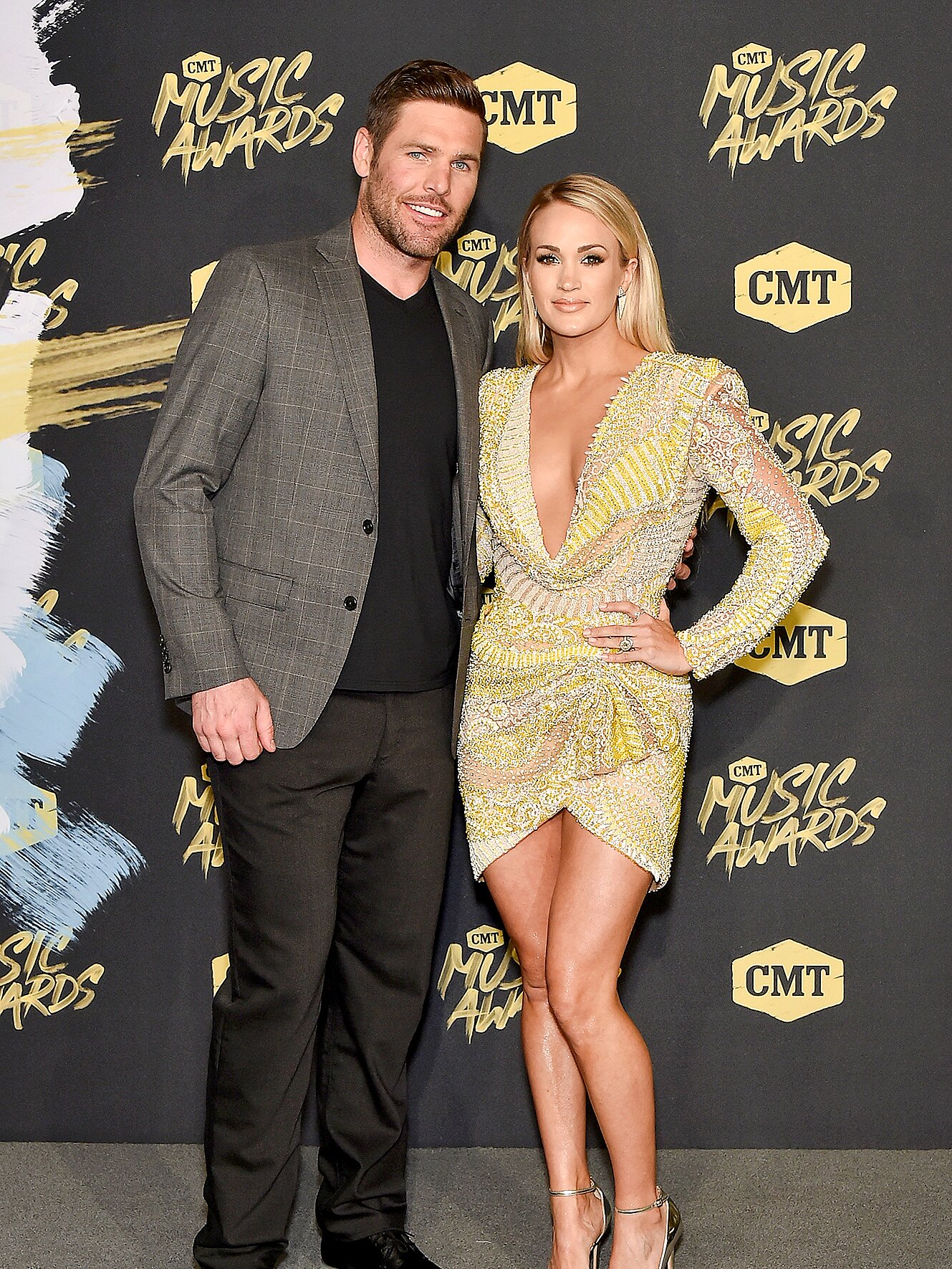 Pregnant Carrie Underwood Adopts A Puppy People Com