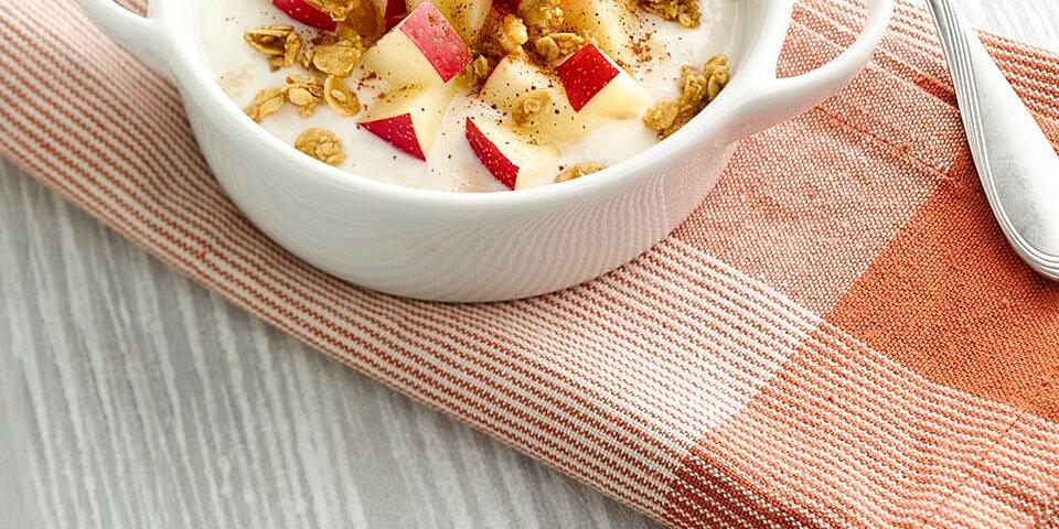 apple cinnamon crunch yogurt bowl recipe