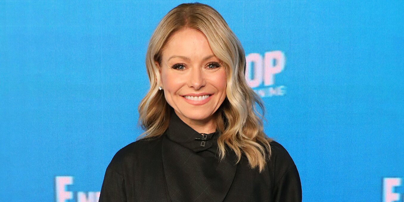 Kelly Ripa Just Endorsed the Most Practical Summer Bag Trend Yet