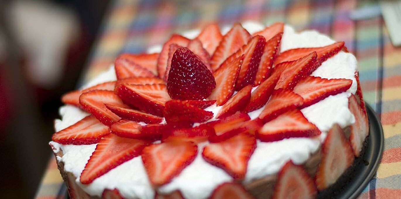 strawberry chocolate mousse cake recipe