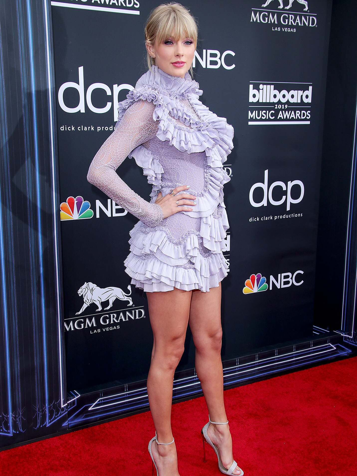 Billboard Music Awards 2019 Taylor Swift Wears Purple Mini Dress People Com